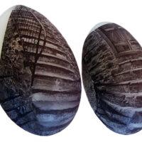 Eggs, porcelain, 30 cm x 20 cm x 10 cm (h/w/d). Price: 800 NOK